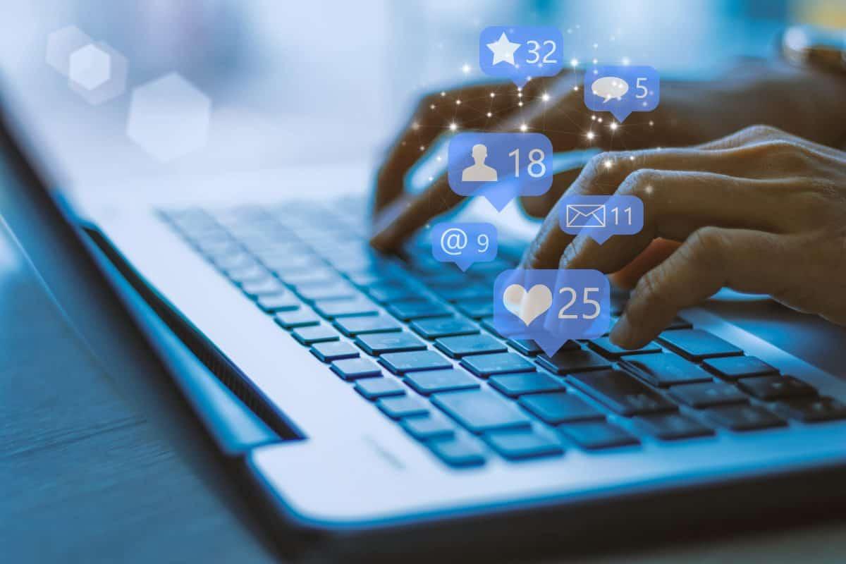 Bijzonder dagen in juni 2021   Social Media day   inhakers interne communicatie